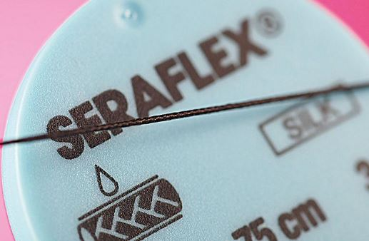 An image of SERAFLEX black 1 (5/0)-1x050 DS-18 (24 pack)