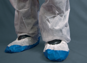 An image of CPE/NON WOVEN OVERSHOES (800) BLUE/WHITE